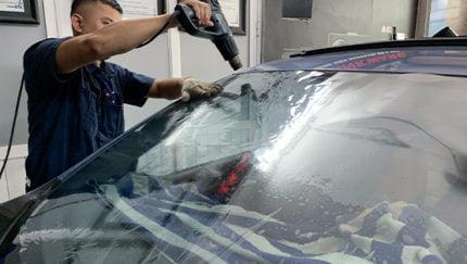 Lựa chọn dán kính cách nhiệt ô tô thế nào cho tốt và hiệu quả?